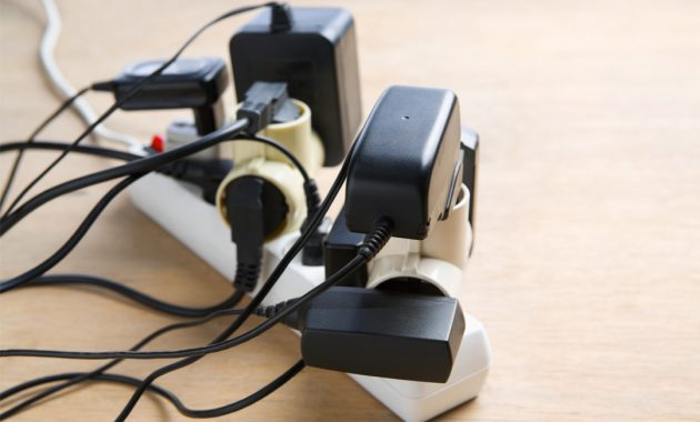 Baterai Laptop Plugged In Charging Tapi Tidak Mengisi